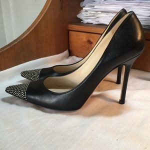 JIMMY CHOO BLACK LEATHER PUMPS SILVER ACCENT ITALY